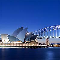 Sydney - Uluru - Cairns by Air